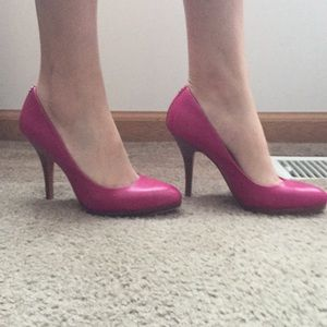 Coach Fuchsia leather Wooden heel.